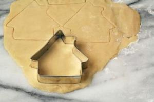 cookie+cutter+house-iStock_000001946391XSmall